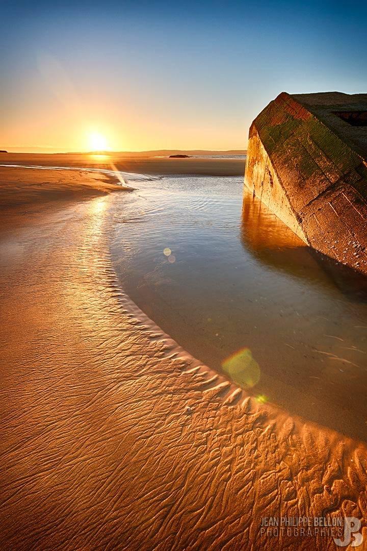 Lever de soleil sur un bunker du Cap Ferret