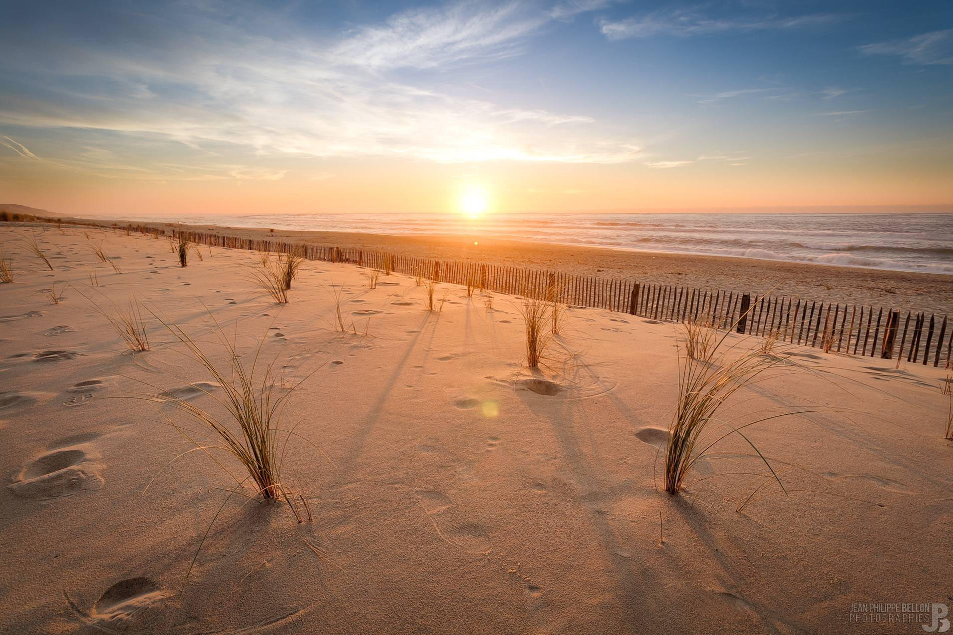Coucher de soleil sur la plage de la Lagune par Jean-Philippe Bellon